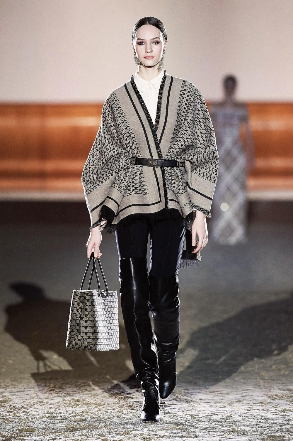Elisabetta Franchi: Elisabetta Franchi Fall Winter 2021-22 Fashion Show Photo #49
