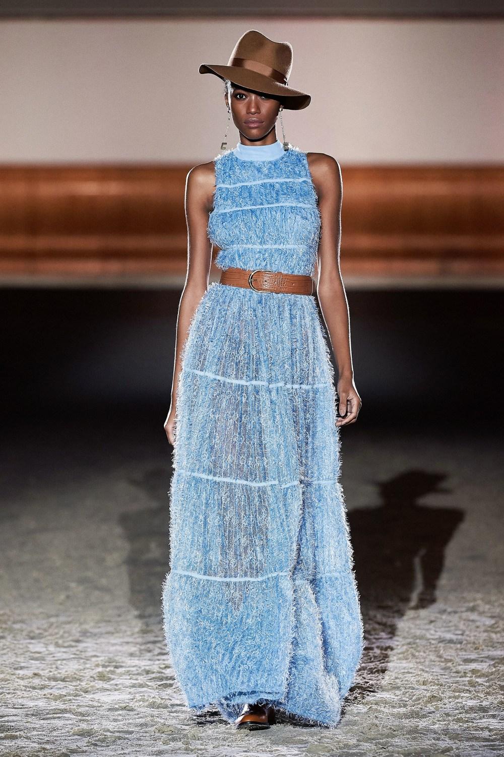 Elisabetta Franchi: Elisabetta Franchi Fall Winter 2021-22 Fashion Show Photo #10