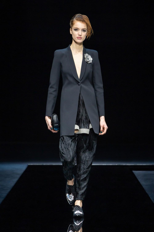 Armani: Giorgio Armani Fall Winter 2021-22 Fashion Show Photo #35