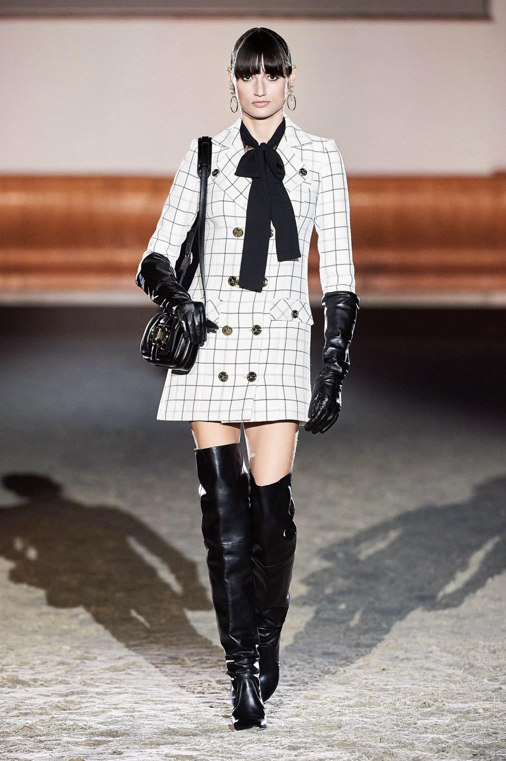Elisabetta Franchi: Elisabetta Franchi Fall Winter 2021-22 Fashion Show Photo #42