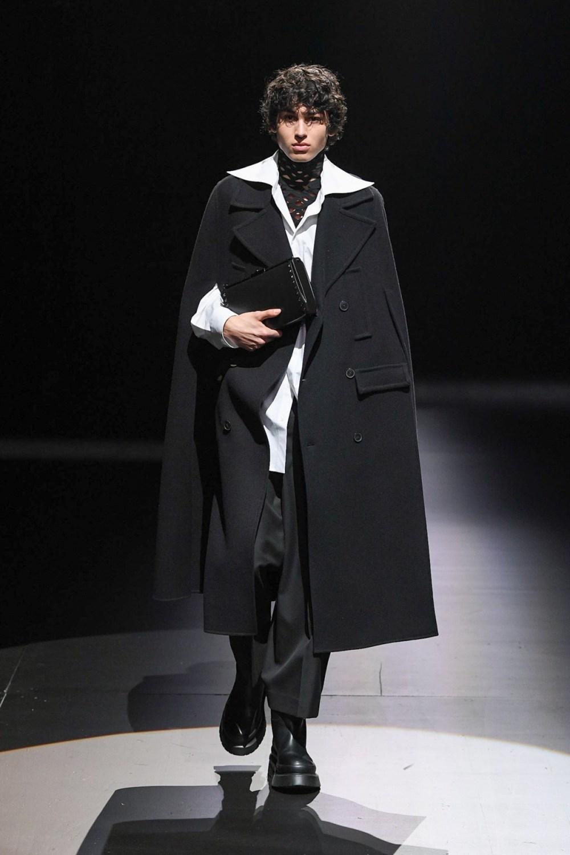 Valentino: Valentino Fall Winter 2021-22 Fashion Show Photo #48