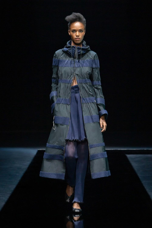 Armani: Giorgio Armani Fall Winter 2021-22 Fashion Show Photo #26