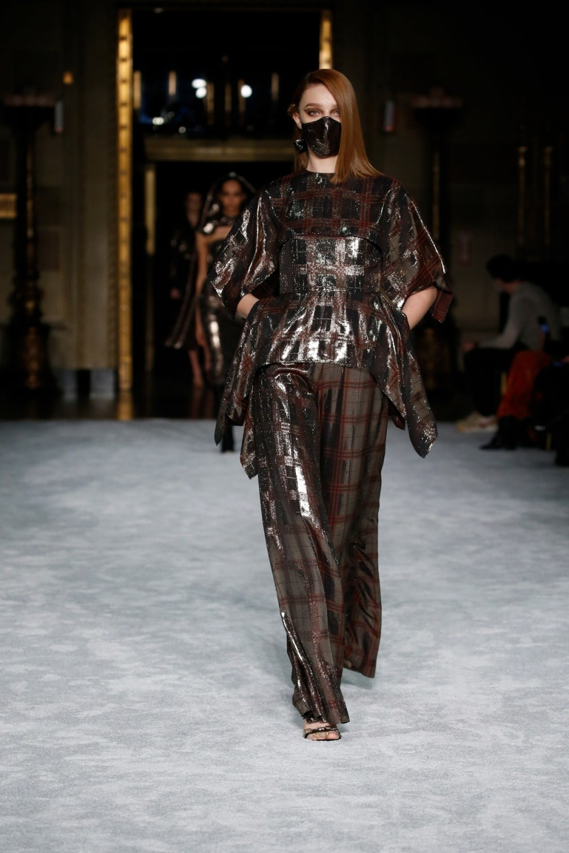 Christian Siriano: Christian Siriano Fall Winter 2021-22 Fashion Show Photo #8