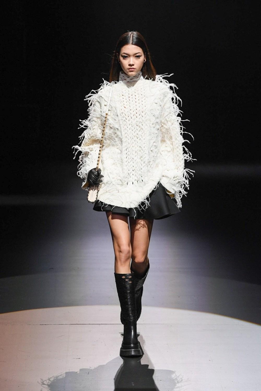 Valentino: Valentino Fall Winter 2021-22 Fashion Show Photo #52