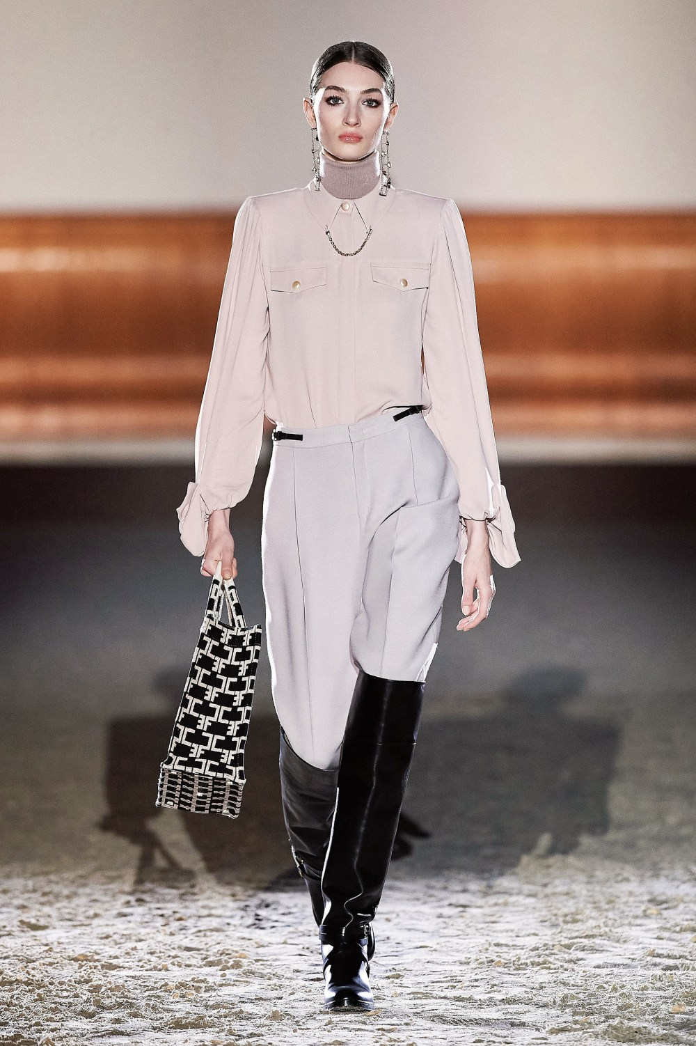 Elisabetta Franchi: Elisabetta Franchi Fall Winter 2021-22 Fashion Show Photo #31