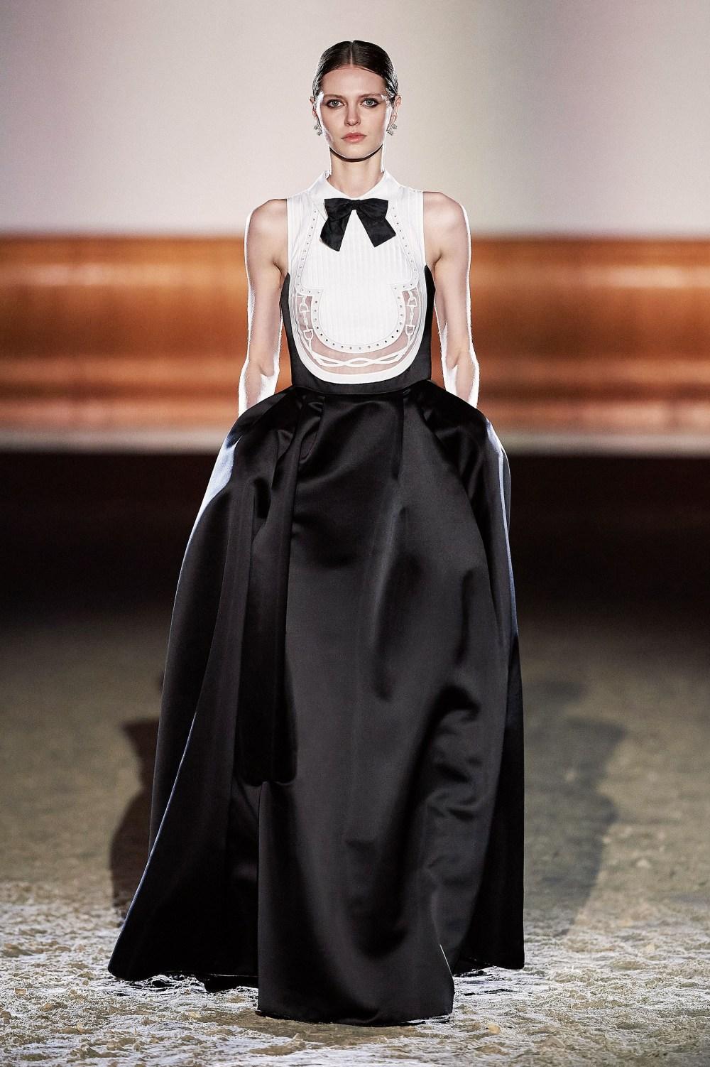 Elisabetta Franchi: Elisabetta Franchi Fall Winter 2021-22 Fashion Show Photo #60