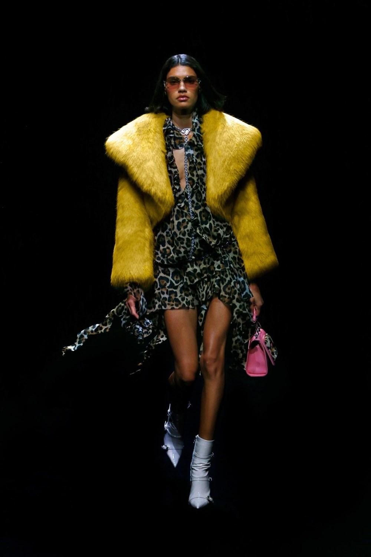 Blumarine: Blumarine Fall Winter 2021-22 Fashion Show Photo #25