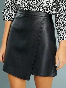 Jupe courte portefeuille en simili                             noir Femme