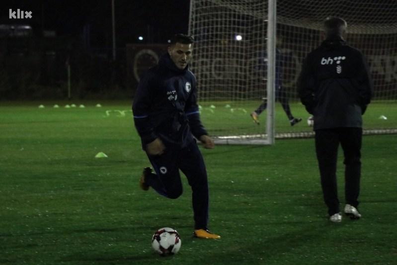 Sead Kolašinac (lijevo) je odlično otvorio sezonu u Arsenalu. (Foto: Harun Muminović/Klix.ba)