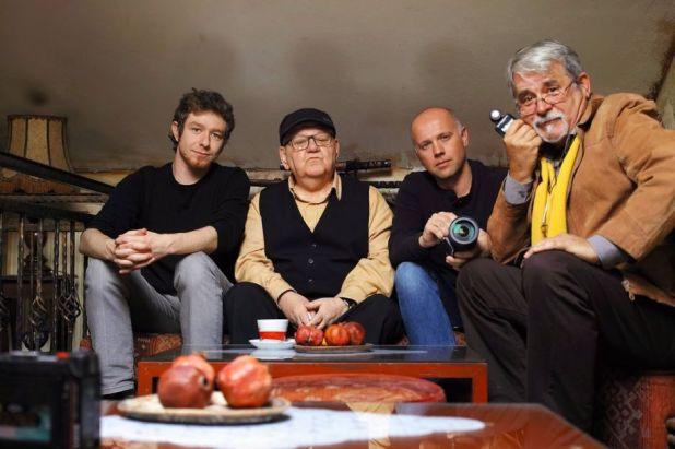 Bojan Hadžiabdić, Abdulah Sidran, Zoran Kubura i Dino Kasalo na snimanju filma