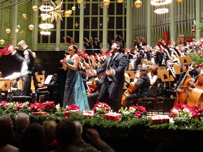 Festliches Weihnachtskonzert 2020 - musica viva - Klassische Konzerte im Großen Saal der Glocke in Bremen   kulturkurier - Termine ...