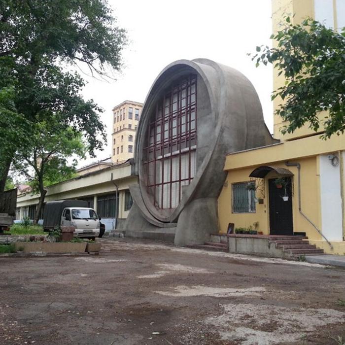 Знаменитый гараж Госплана в Лефортове. /Фото:4sqi.net