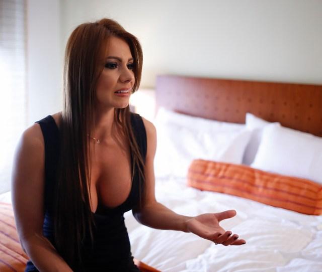 La Inesperada Confesion De Esperanza Gomez En Su Lanzamiento Como Youtuber La Mega