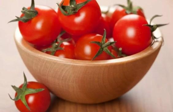 health News : लाल टमाटर खाने के ये फायदे आपको चौंका देंगे - health benefits of red tomato   Navbharat Times