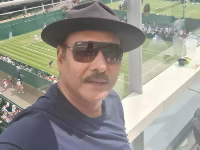 Ravi Shastri enjoys Wimbledon: After getting leisure from cricket, Ravi Shastri reached Wimbledon to watch, share a special picture