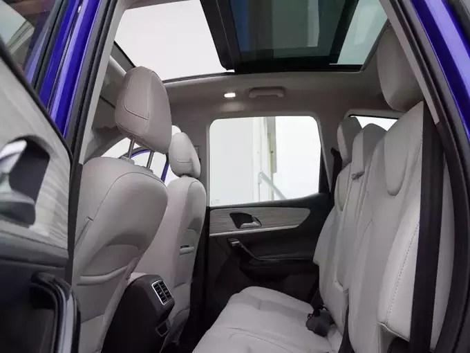 Mahindra XUV700 Launch Price Variants Booking 2