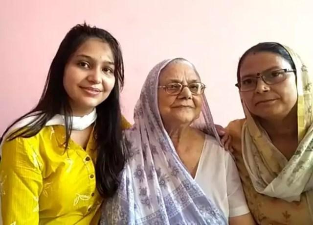 UP News: दादी के हौसले से पोती ने भरी उड़ान, IAS बनकर बढ़ाया बागपत का मान