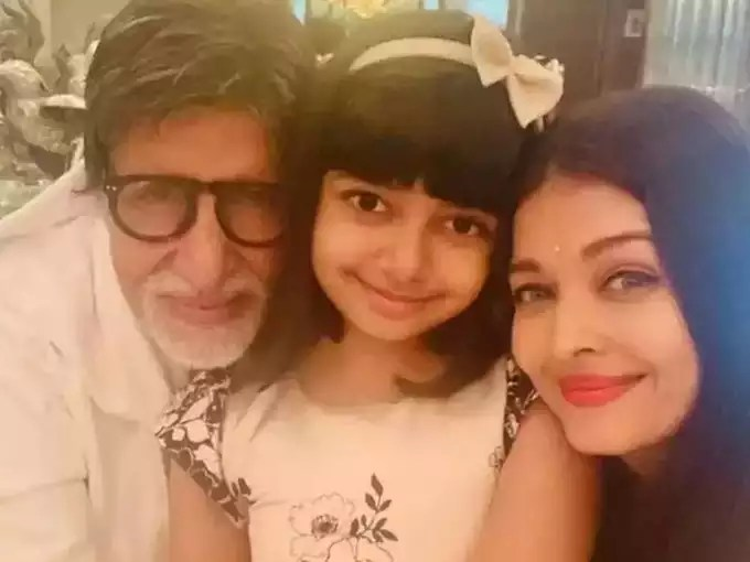 Amitabh with granddaughter Aaradhya and daughter-in-law Aishwarya