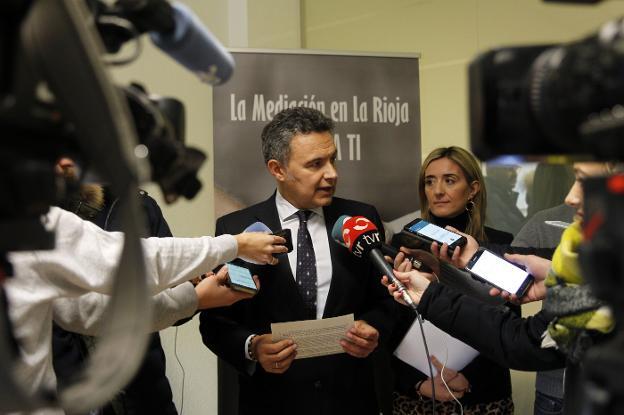 Escobar y Maiso, en la rueda de prensa que ofrecieron ayer. :: justo rodríguez/