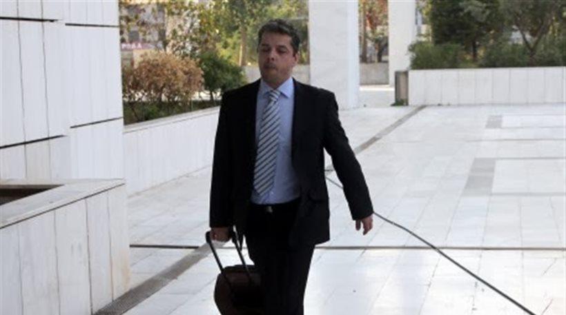 Χωρις χειροπέδες ο Μπούκουρας στη Βουλή -Αποφυλακίζεται ο πρώην χρυσαυγίτης