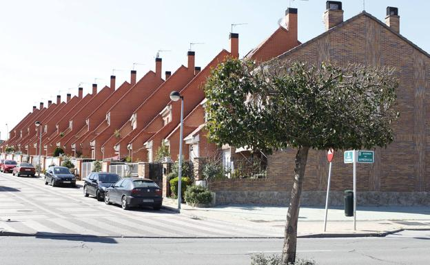 Semi-detached houses in Parla (Madrid).