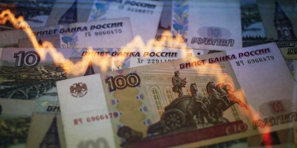 Le rouble a perdu 45% de sa valeur face au dollar, et 40% face à l'euro depuis le début de l'année.