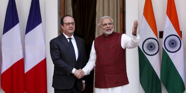 """Ces investissements français constitueront des """"compensations"""" dans le cadre de l'accord que le président français espère signer, concernant la vente à New Dehli de 36 Rafale."""