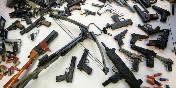 Des armes à feu ont été proposées à des utilisateurs de Facebook quelques heures après le lancement de la plateforme de commerce en ligne marketplace. (Crédits : REUTERS/Phil Noble.)