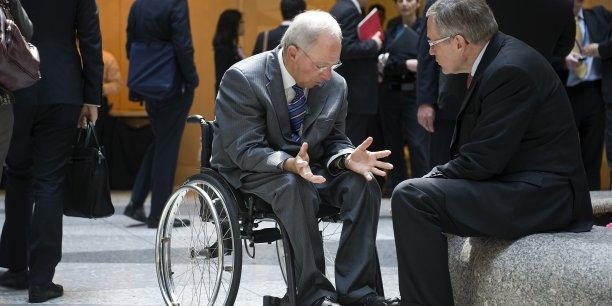 Wolfgang Schäuble, ministre des Finances allemand, et Klaus Regling, président du MES, n'ont pas apprécié les annonces d'Alexis Tsipras.