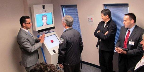 Le robot Avatar s'appuie sur les expressions du visage, le regard et les modulations dans la voix pour détecter les mensonges.