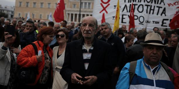Selon la police, plus de 10.000 personnes auraient manifesté à Athènes, en réponse au projet de loi comprenant de nouvelles coupes dans les retraites et des hausses d'impôts.