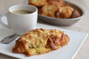 Photo de la recette Croissants fourrés aux amandes envoyée par le cuisinier