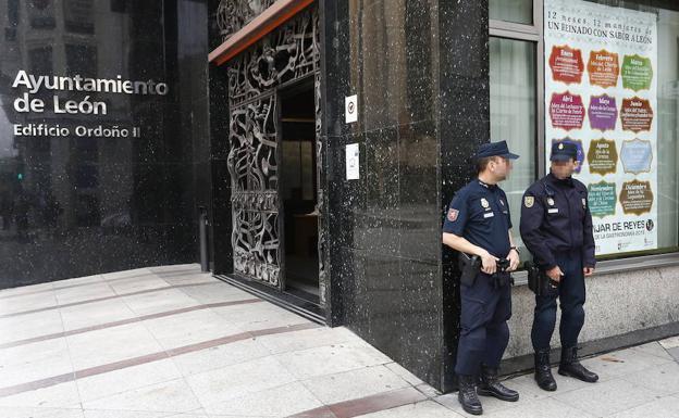 Una macrooperacion policial destapa una red de adjudicaciones amañadas. /Ical