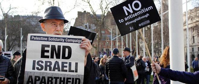 Manifestation entre opposants et partisans du Parti travailliste, accuse d'antisemitisme, a Londres, le 26 mars 2018.