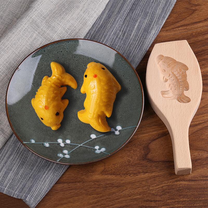 Khuôn làm bánh hình con cá truyền thống