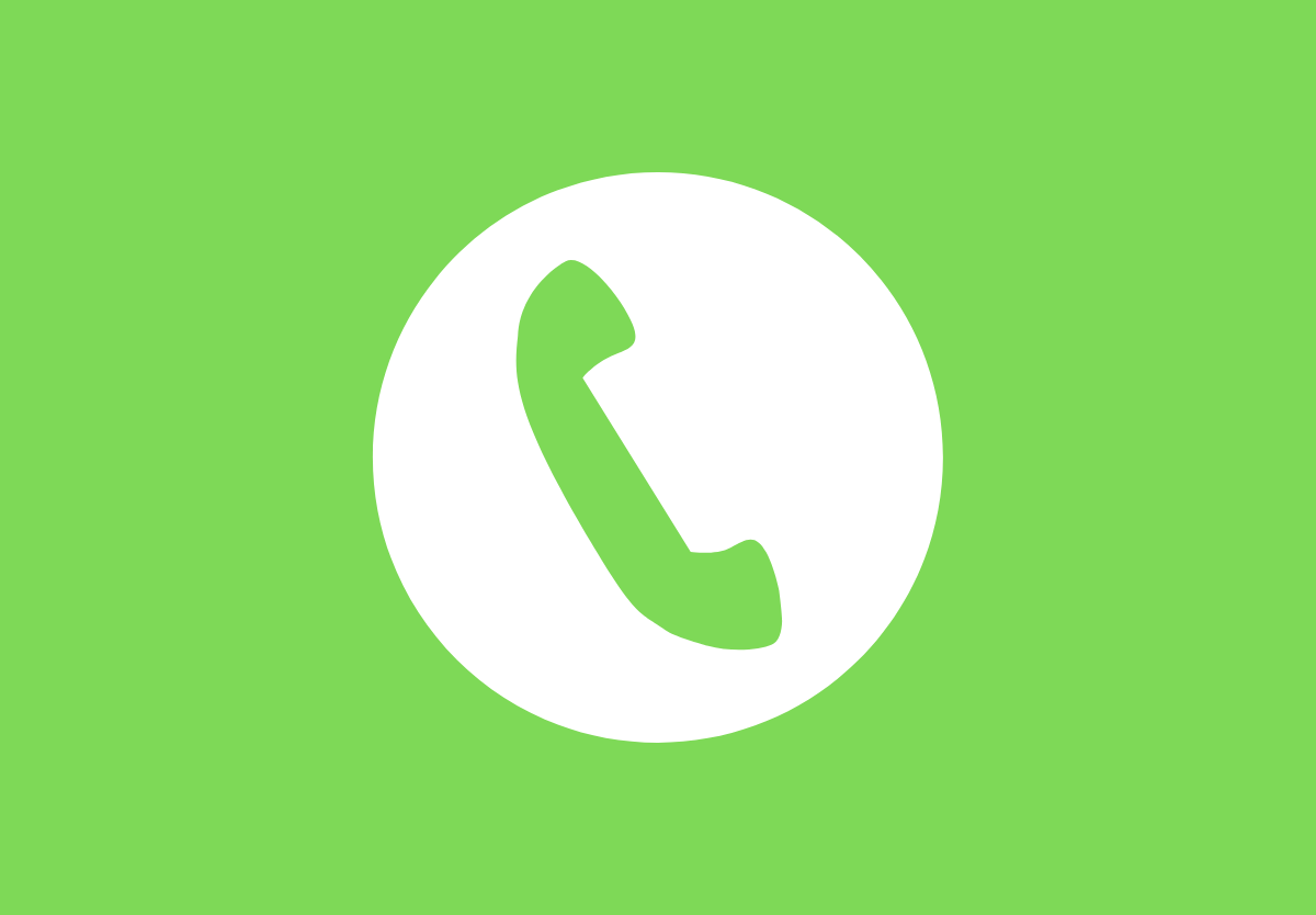 Gọi Hotline để tìm làm rõ những thông tin về bảo hiểm