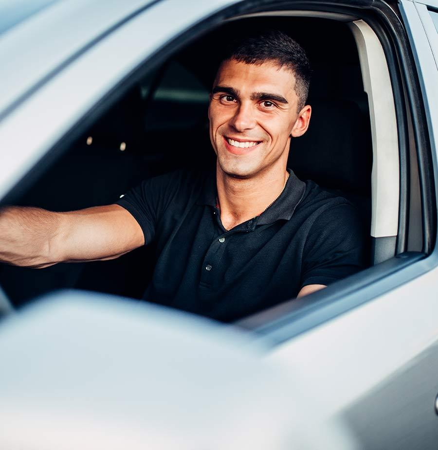 Bảo hiểm xe xe hơi hỗ trợ cho bạn yên tâm lái xe trên mọi đoạn đường