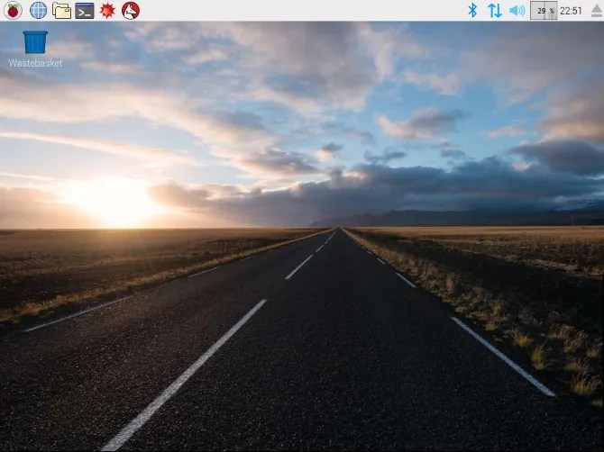 muo linux raspbian pixel desktop - 7 DIY Project Ideas for Putting an Old Raspberry Pi to Use