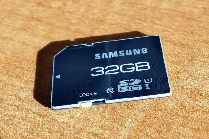Переключатель блокировки SD-карты