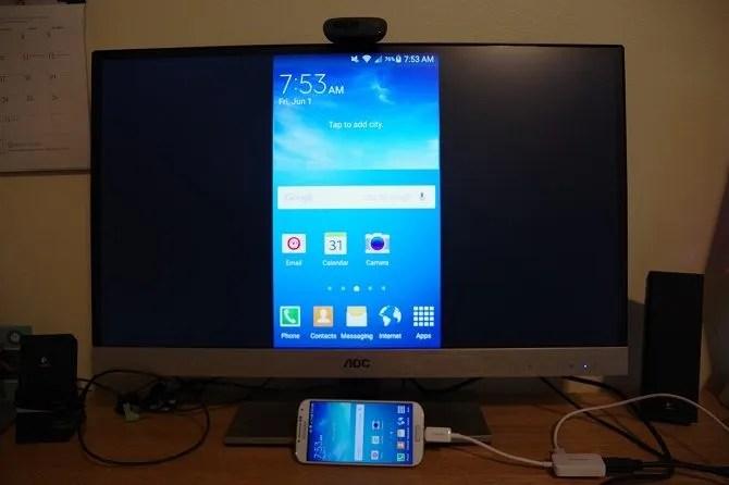 Come collegare il telefono al televisore Usando USB - telefono riflesso sul televisore