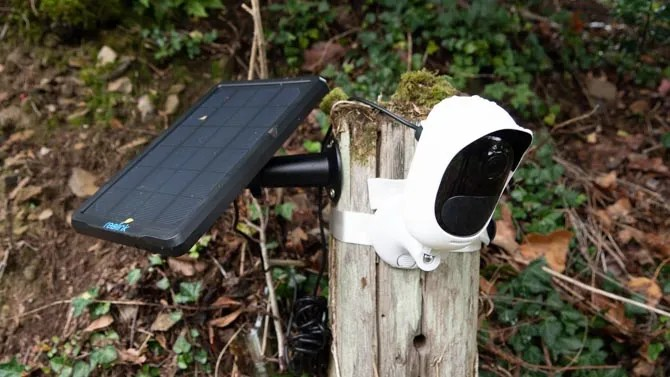reolink argus pro mounted outside - Reolink Argus Pro is a 100% Wireless Security Cam That Never Needs Charging