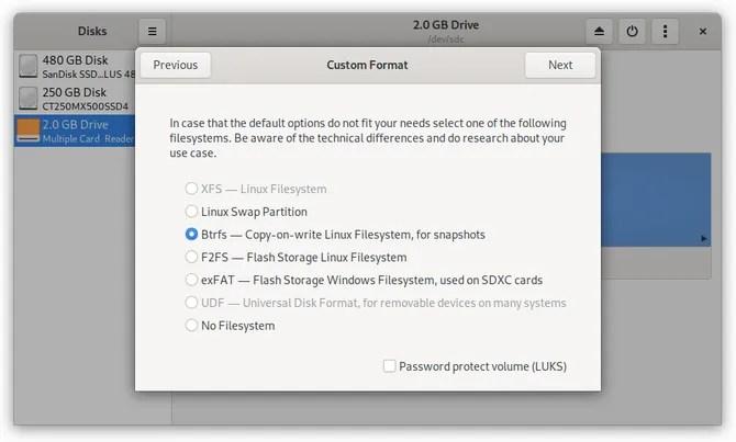 Discos de GNOME que muestran la opción de formato btrfs