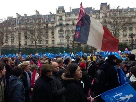 Le 13 janvier 2013, le cortège des opposants, dans le XVIe arrondissement de Paris