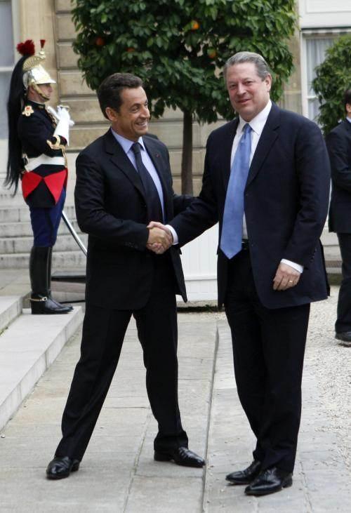 Nicolas Sarkozy et Al Gore, octobre 2007, lors du lancement du Grenelle de l'environnement (©Reuters/Philippe Wojazer)