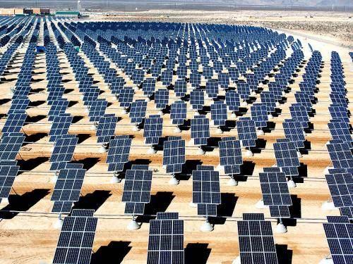 Usine d'électricité solaie de Nellis, Etats-Unis
