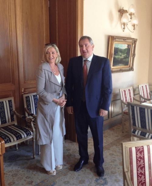 Marine Le Pen reçue par Dmitri Rogozine, vice-premier ministre russe, le 21 juin 2013.