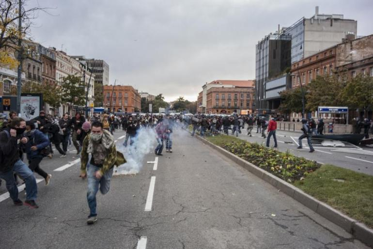 Toulouse, 8 novembre 2014. Les policiers chargent et effectuent leurs premières interpellations.