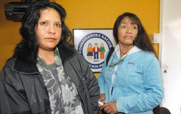 Maria Sullca y Teresa Avila, en el local de la Coordinación nacional de los derechos humanos.