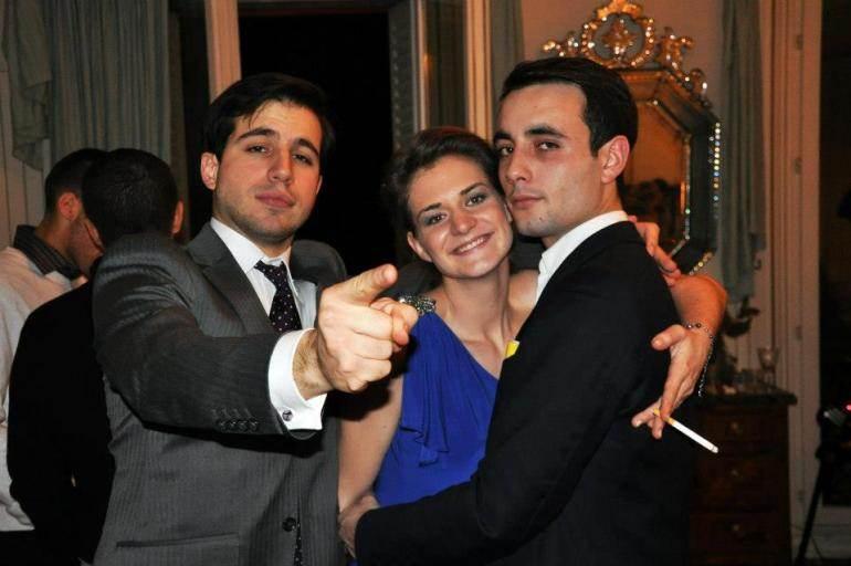 Edouard Klein (à droite) lors du gala des 40 ans du FN, le 11 décembre 2012, à la Mutualité, à Paris.