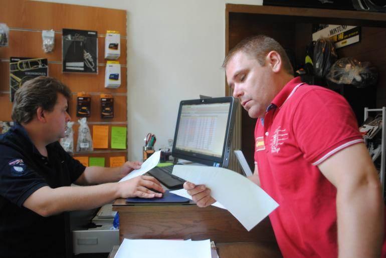 Quand un problème de livraison est signalé, parfois un an après, les associés sont contraints de rédiger une nouvelle facture.